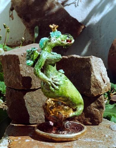 Fotograf: Eget fotoVærk  titel: Foruden at være ømskindet havde prinsessen også andre egenskaber Værk  type: skulptur Færdiggjort: 1999