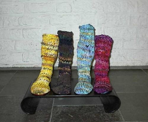 Fotograf: Eget fotoVærk  titel: Vi skal alle være her Værk  type: Skulptur Materiale: Tekstil Størrelse: 50 x 55 x 30 cm Færdiggjort: 1999