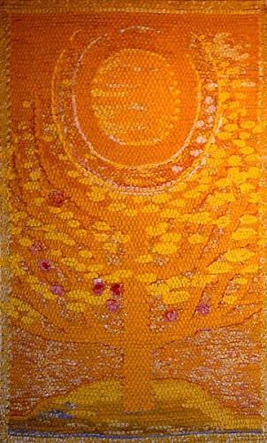 Fotograf: Bent LiengårdVærk  titel: Gult træ Værk  type: Billedtæppe Materiale: Tekstilrester Størrelse: 160x100 cm. Færdiggjort: 1998