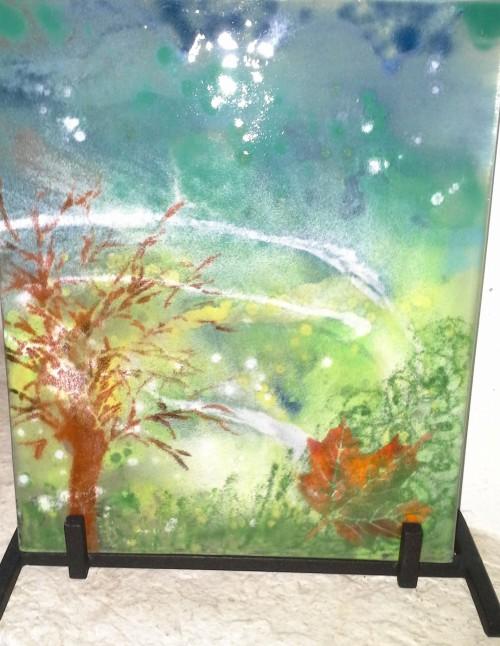 Maleri med glaspulver på glas.