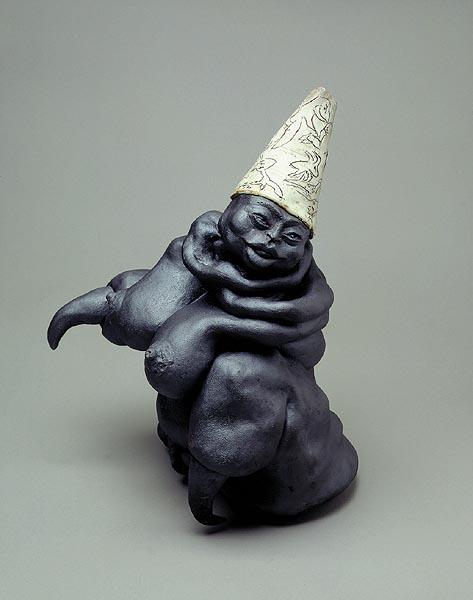 Fotograf: Kenneth DrabækVærk  titel: Snarligt gensyn Værk  type: Skulptur Materiale: Stentøjs porcelæn Størrelse: 38 x 23 x 16 cm. Færdiggjort: 1997