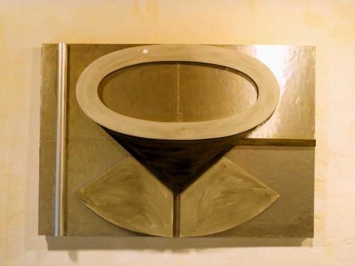 Fotograf: Kim RosenvoldVærk  titel: Ubeholder Værk  type: Relief Materiale: Malet krydsfiner og aluminium Størrelse: 69 x 97 cm Færdiggjort: 1996