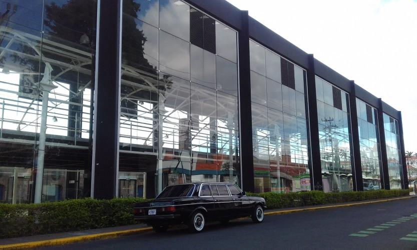 ADUANA-ANTIGUA-la-Casa-del-cuno-COSTA-RICA-LIMOUSINE-lwb-lang.jpg