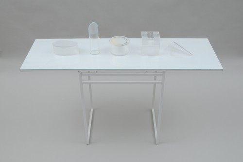 Bord:Glas,metal: 140*40*77 cm    Table: Glass, metal    2009-2010 Parantes / Brackets: acrylic Luft/Air:acrylic   Måneskin / Moonshine: acrylic VIL LIV / WANT LIFE: acrylic Intet / Nothing: acrylic  Warmbend, engraving, painted